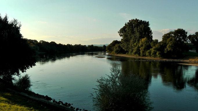 Am Abend ein Spaziergang zur Donau in Straubing, nicht weit vom Festplatz entfernt.
