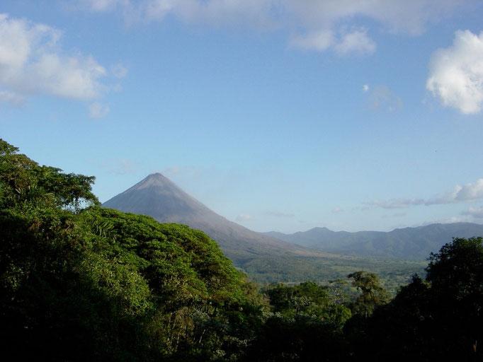Der Vulkan Arena zeigt sich Heute praktisch wolkenlos ( sehr seltenes Bild )