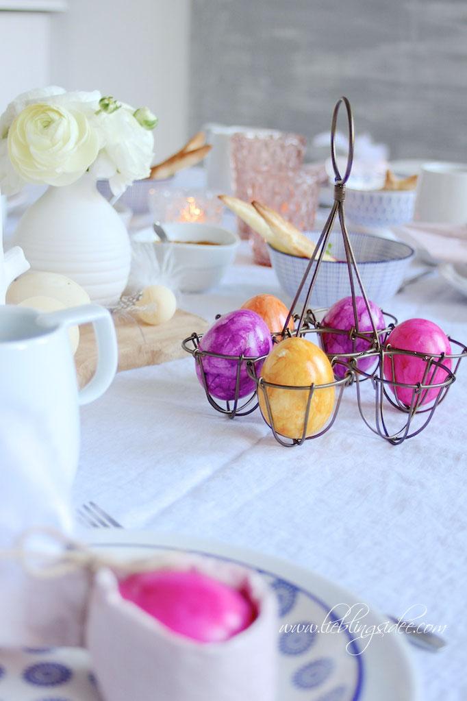 Osterei Servietten DIY und Knusperhasen aus Blätterteig