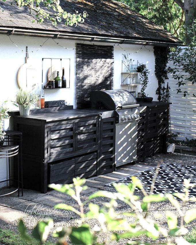 Selbst gebaute Gartenküche mit Grill - Aussenküche