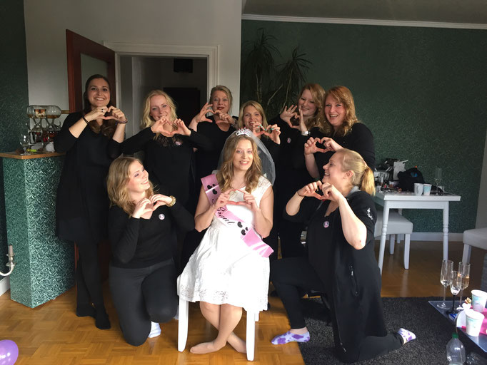 Hochzeit Heirat Wedding Brautstyling by Jay Berkoh body.and.soulcosmetics #hamburg #Braut #Brautstyling #St.pauli #weddinghamburg #brautstylingbyjayberkoh #bodyandsoulcosmetics #happybridehamburg #SH #schleswigholsstein #Junggesellinen #makeupparty