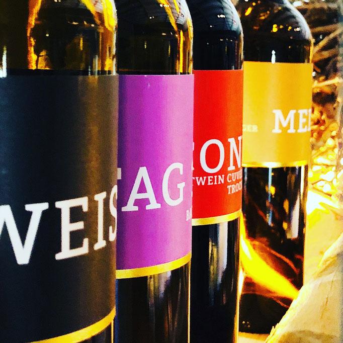 Weingut Meintzinger, Frickenhausen, Gutsweinsortiment - nur ein Element von vielen, die es auf diesem Vorzeigeweingut zu sehen und kosten gibt.