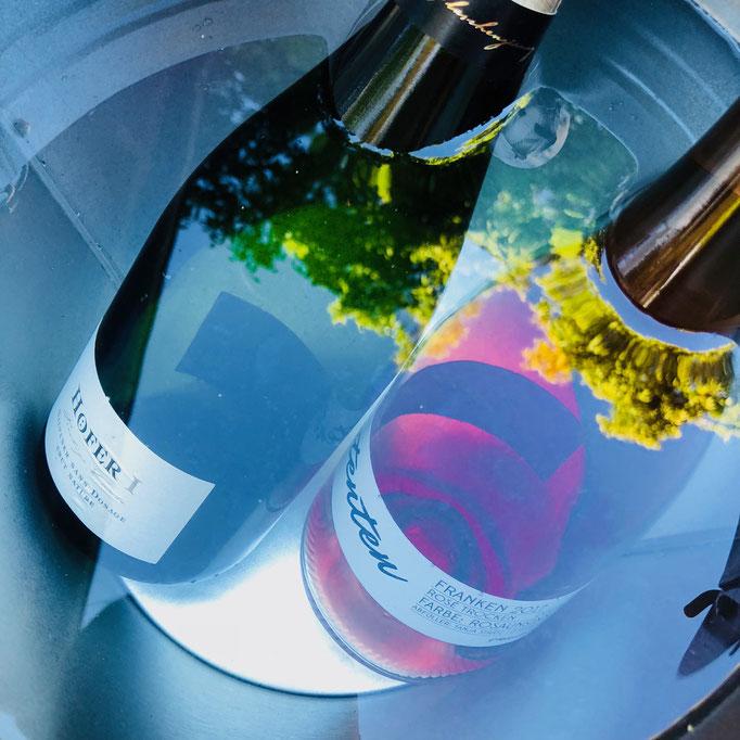 Gekühlte Getränke: Höfer Sekt & Fisimatenten von Tanja Strätz
