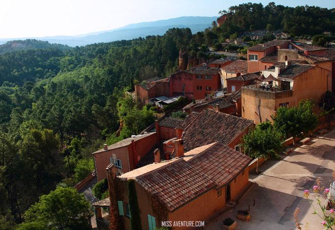 Le village coloré de Roussillon.