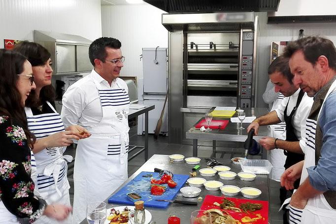 Tapas Locas à la Cité du Goût et des Saveurs, à Quimper, le 20 décembre, pour un atelier culinaire sur la cuisine typique et traditionnelle espagnole : la crème catalane.