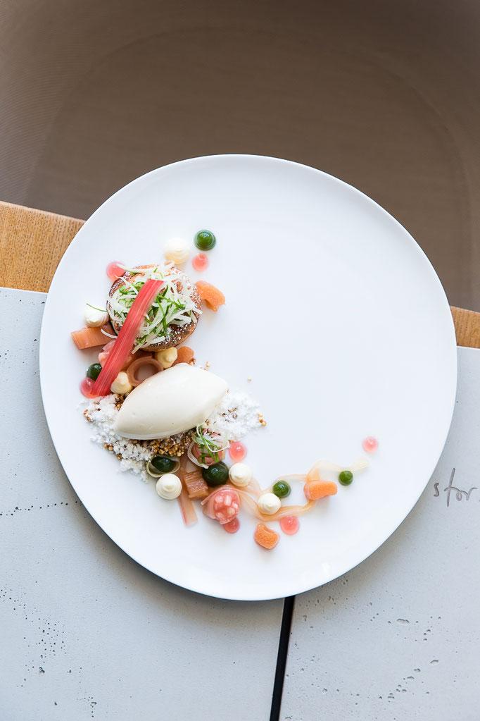 rhubarb dessert - pic taken @ Storstad Restaurant Regensburg for Der Feinschmecker magazine