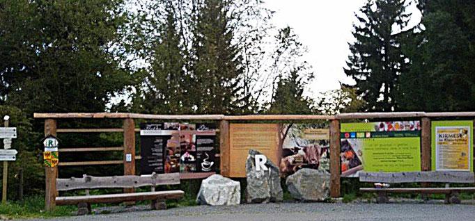 Rennsteig und grünes Band bei Klein-Tettau