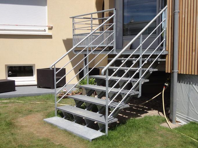 Escalier avec palier acier galvanisé