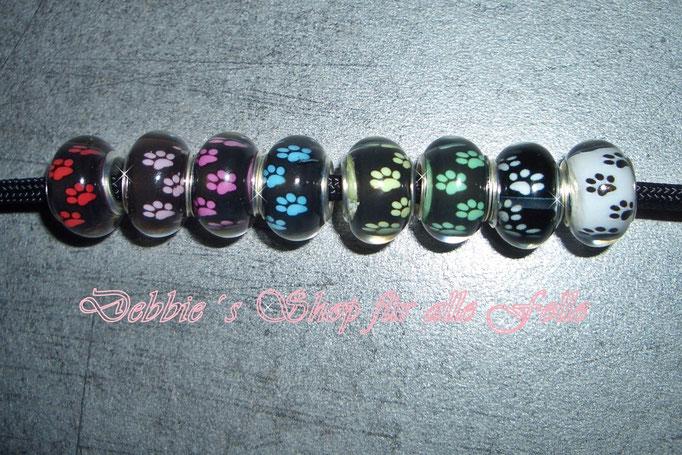 Acrylperlen : schwarze Perle mit Pfötchen * Farben: rot-rosa-pink-hellblau-gelb-grün-weiß / weiße Perle mit Pfötchen schwarz