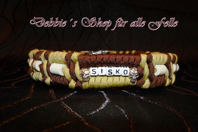 walnut brown / gold mit Namen und Skull beads
