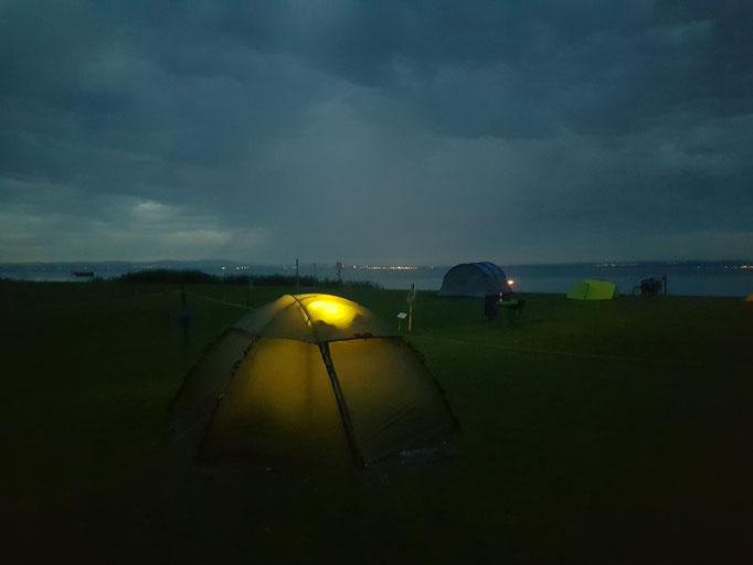 Erste Nacht im Allak Zelt