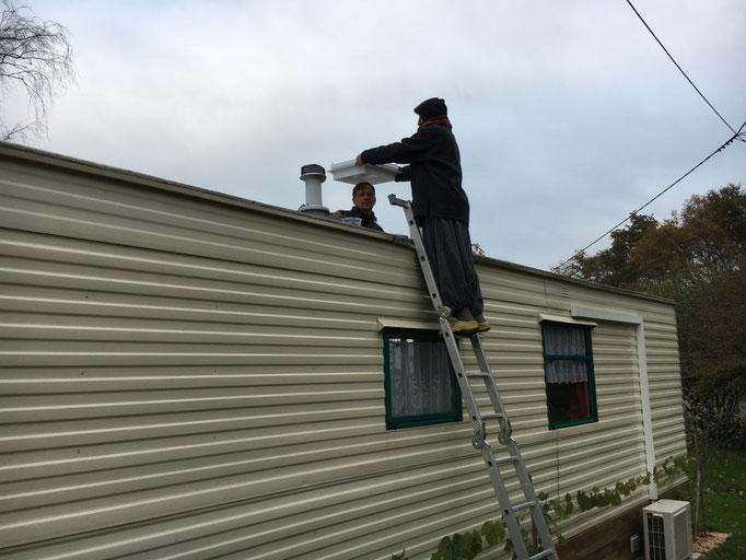 Die Cabane bekommt neue Dachfenster