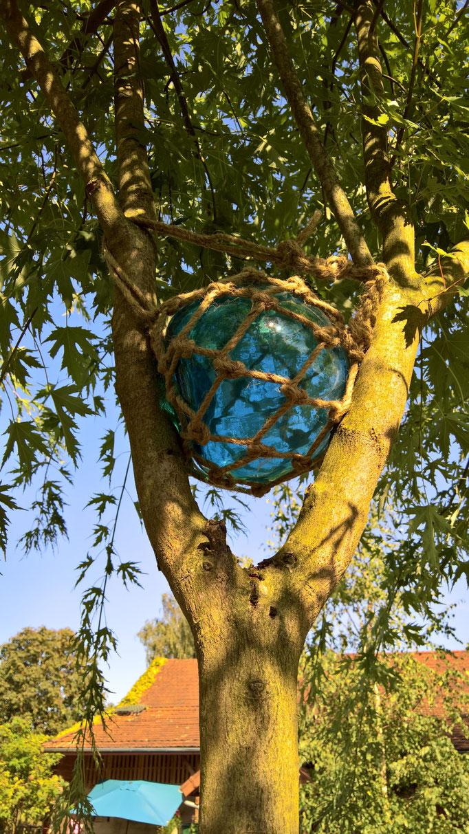 Glaskugeln für die Bäume
