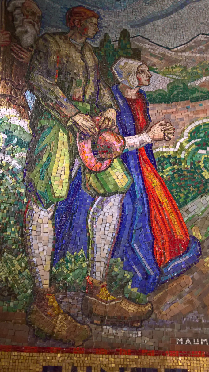 Mosaikarbeiten in einer Kapelle in Paray-le-Monial