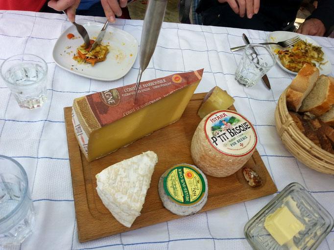 Französische Käseplatte für meine Freunde aus der Schweiz