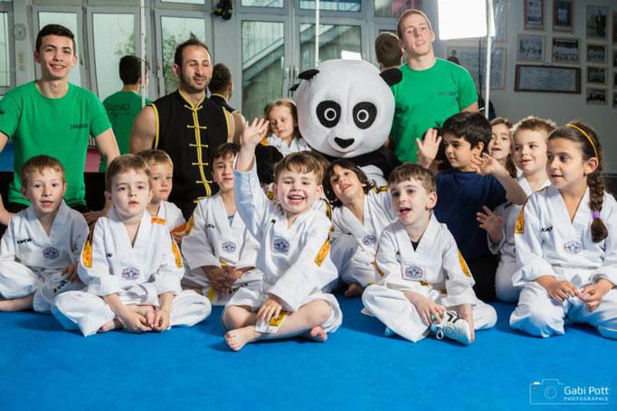 Kinder Selbstverteidigung Mannheim Oldenburg Ludwigshafen Krav Maga - Karate - Judo - Kung-Fu - Kampfkunst - Kampfsport - Mobbing - Sicherheit - Kindergarten - Grundschule - Jugendamt - Taekwondo - Aikido - Boxen - Muaythai