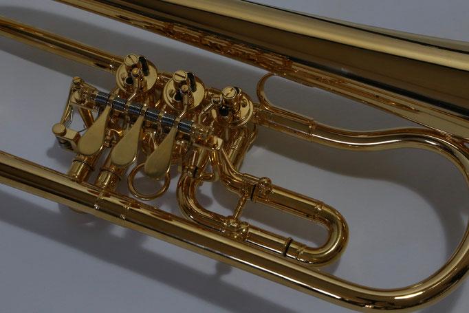 Flügelhorn vergoldet Druckwerk