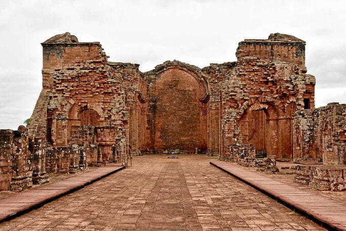 Die (zerstörte) Kirche der Reduktion Trinidad.