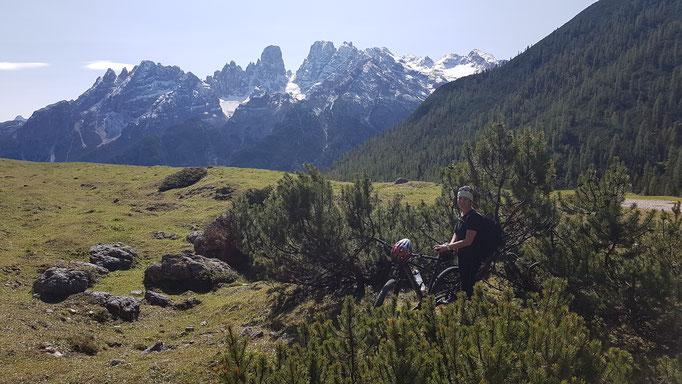 Plätzwiese im Hintergrund Monte Cristallo