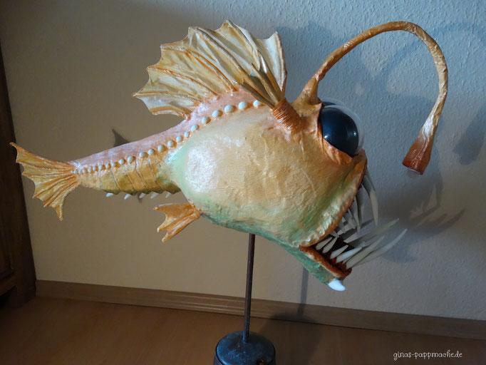 Papiermache, papermache, pappmache, Kunst, Anglerfisch, Monsterfisch, Skulptur, Fischlampe, außergwöhnlich