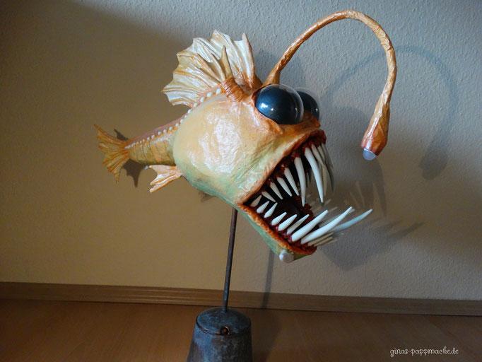 Papiermache, papermache, pappmache, Kunst, Anglerfisch, Monsterfisch, Skulptur, Fischlampe, außergewöhnlich