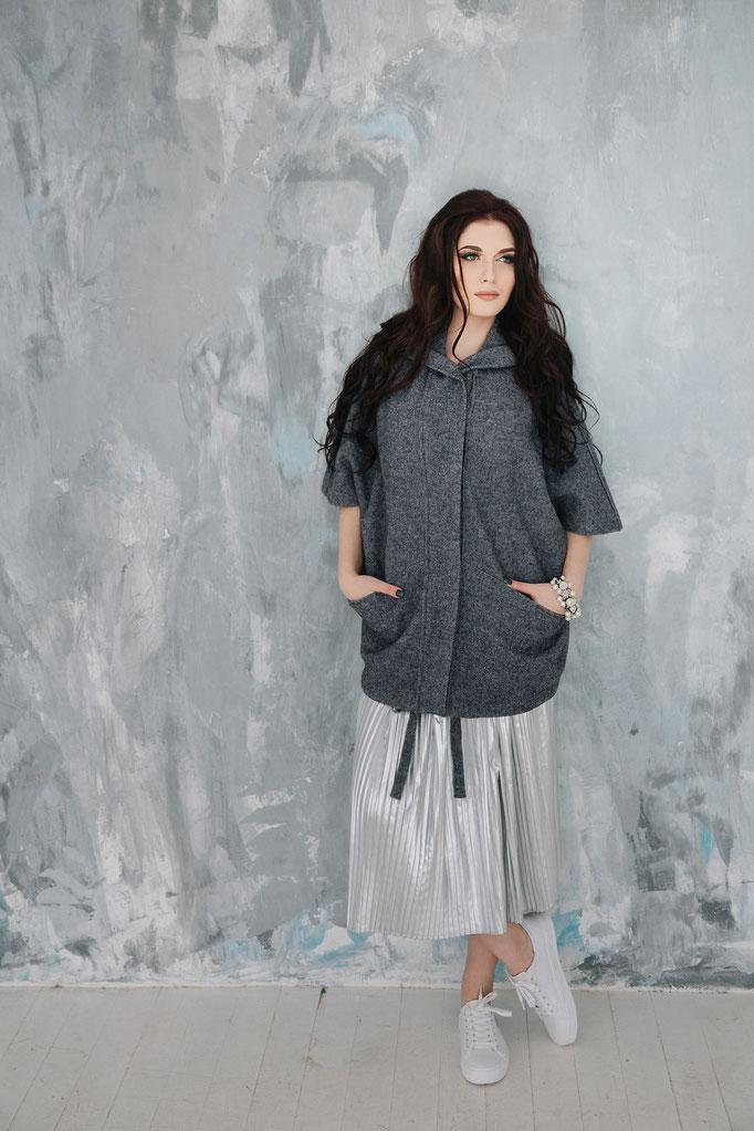 Look 12. Пальто comfort в сером цвете с капюшоном. (размеры 42-58 )  Коллекция весна 2017