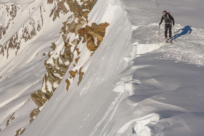 Eine Lücke in der Wechte: Der Zugang zum  Steilhang