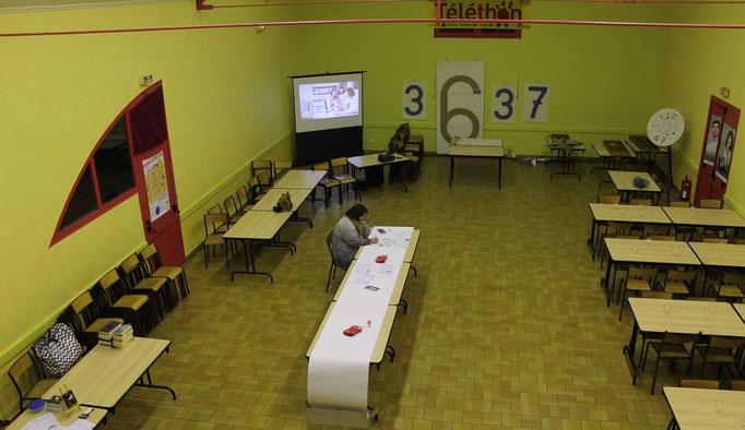 La préparation de l'atelier fresque collective pour le téléthon 2016 de St Père dans la Nièvre