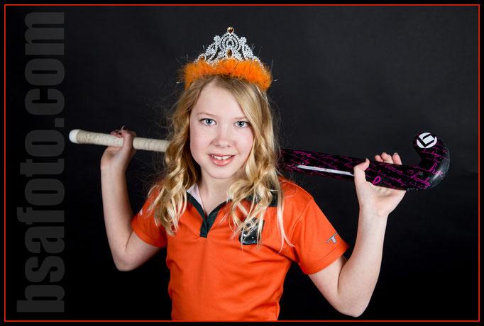 Fotoshoot hockey sport fotografie . Hockeymeiden . Glamour Party .  Hollandse hockeymeisjes . hockeymeisjes . Hockey Meisjes - Fotoshoot