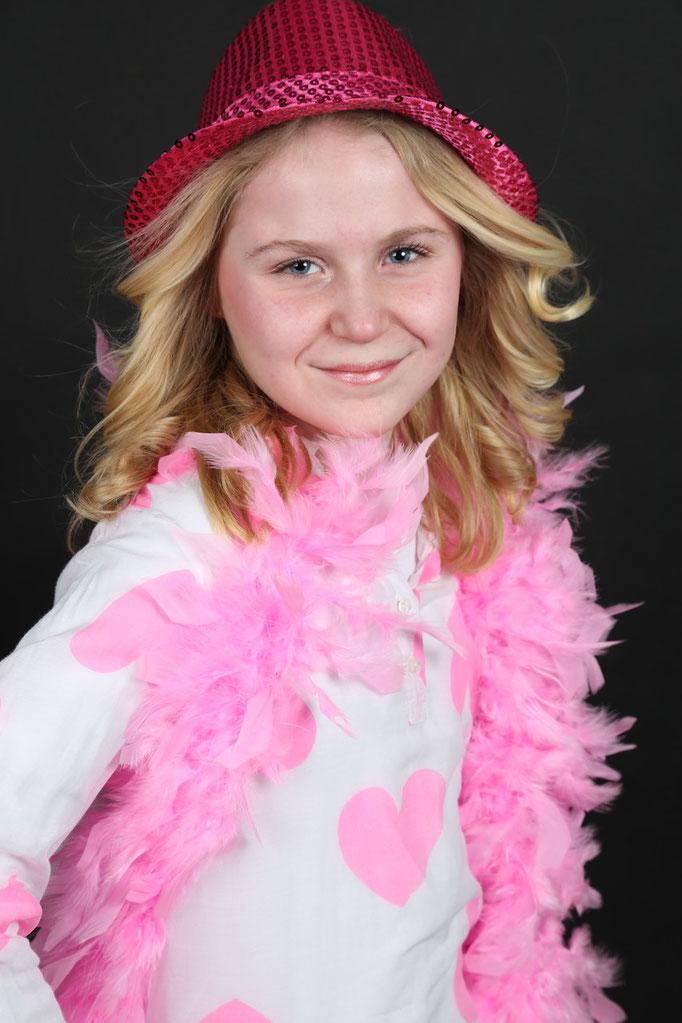 Fotoshoot vriendinnen . fotoshoots kinderfeestjes . tieners . verjaardag . een modellenervaring willen maken met vriendinnen. feestje . Haar style