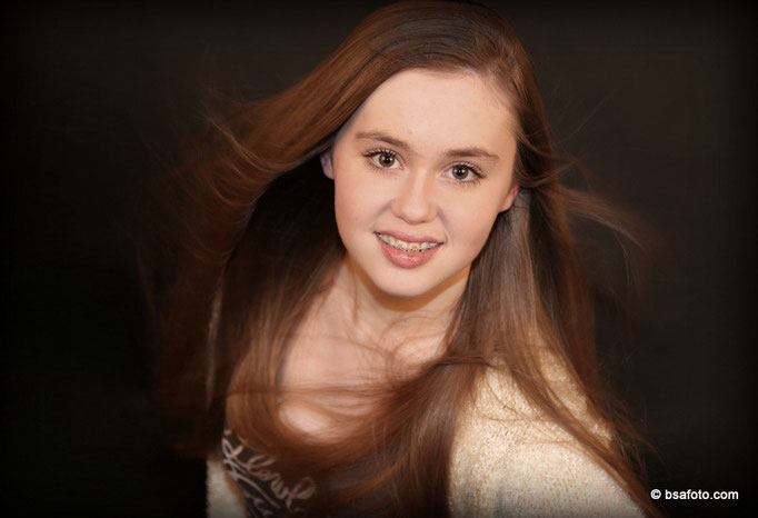 fotoshoot voor tieners,  stoere en stijlvolle portretten, Tiener fotoshoot model, modellen, modelfoto, model fotografie, meisje, tiener, tienermeisje, een leuke fotoshoot voor uw tiener !