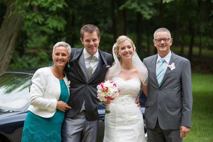 Foto's zorgen ervoor dat je deze mooie dag elke keer opnieuw kunt beleven. We capture your moment, Voor jullie deze prachtige diashow om elk moment van jullie trouwfoto's te genieten. last minute, low budget, goedkope, fotograaf, bruiloft, trouwen, trouwr
