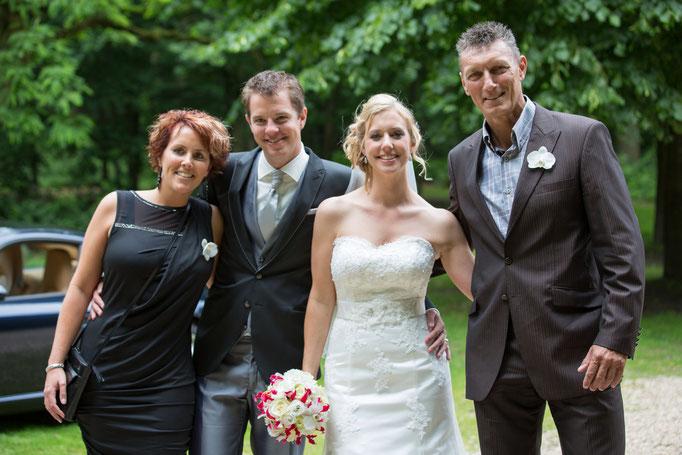 We capture your moment, Voor jullie deze prachtige diashow om elk moment van jullie trouwfoto's te genieten. last minute, low budget, goedkope, fotograaf, bruiloft, trouwen, trouwreportage, bsafoto.com