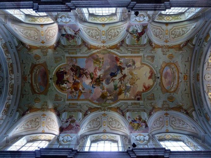 Deckengemälde im mittleren Teil der Basilika Sonntagberg
