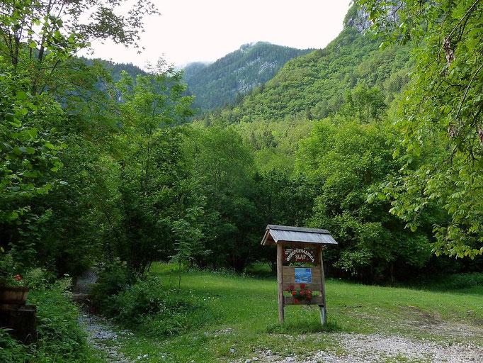 Auf dem weg zum Mostnica-Wasserfall Slap Voje Bohinj hinter der Jausenstation