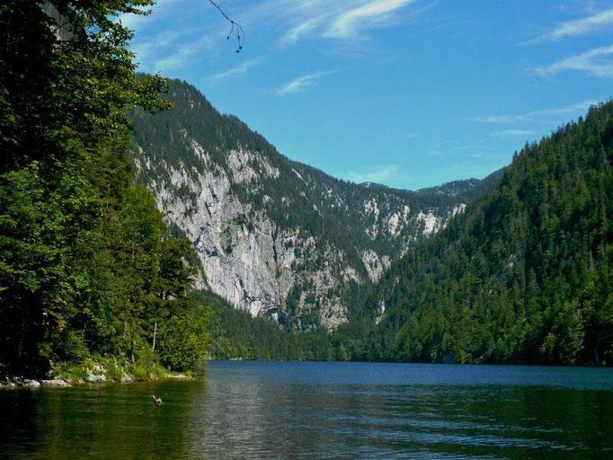 Am Ufer des Toplitzsees