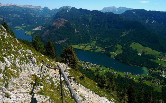 Grundlsee vom Steig zum Trisselberg am Riebeisen