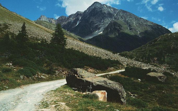 Rückblick zum wuchtigen, 3496 m hohen Schrankogel