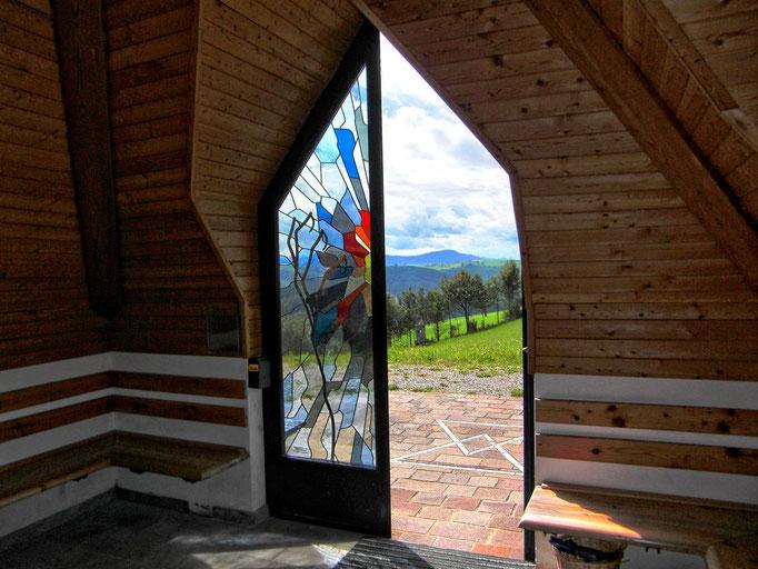 Die Eingangstüren der Andachtskapelle auf st.Georgen in der Klaus