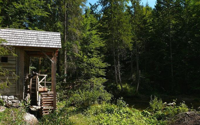 Die Ranftlmühle im Wald bei Gössl