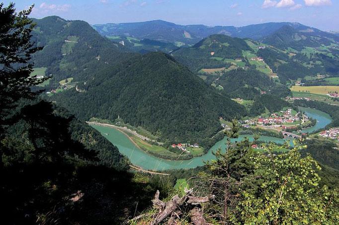 Blick vom Hiaslberg auf Enns, Rücken des Schiefersteins und Rabenreithkogel
