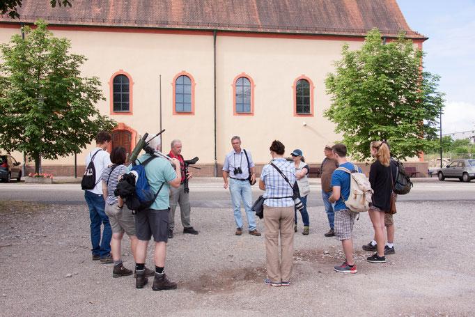 Teilnehmer am Start vor der Wallfahrtskirche (Foto: B. Budig)