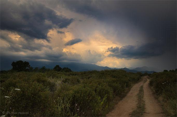 Licht in den Wolken / Korsika