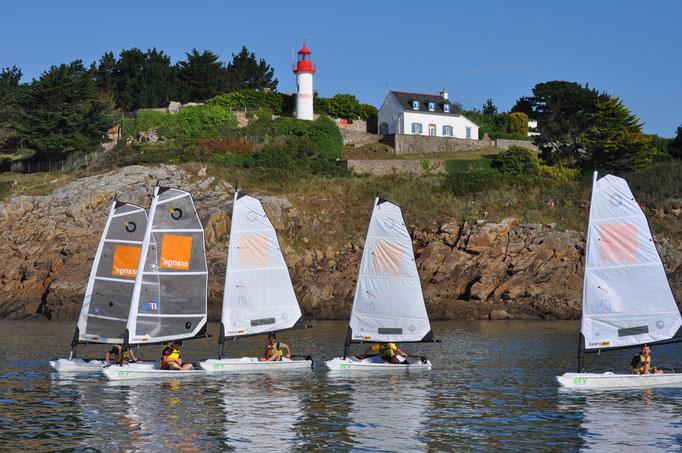 Devant le phare de Port-Manec'h, un peu de pétole...