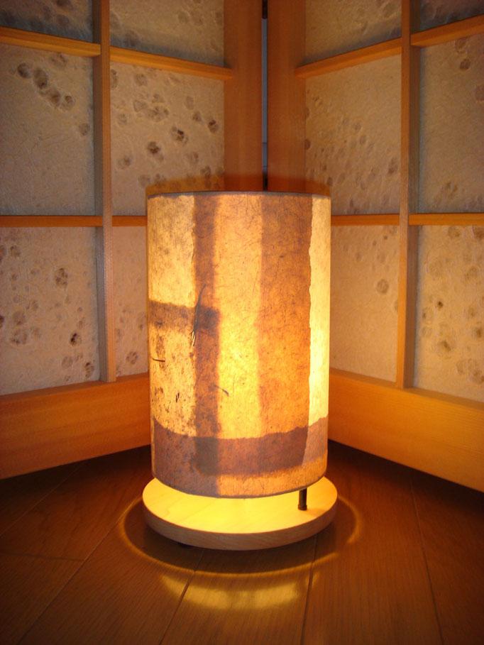 竹紙の照明器具(柿渋染め)