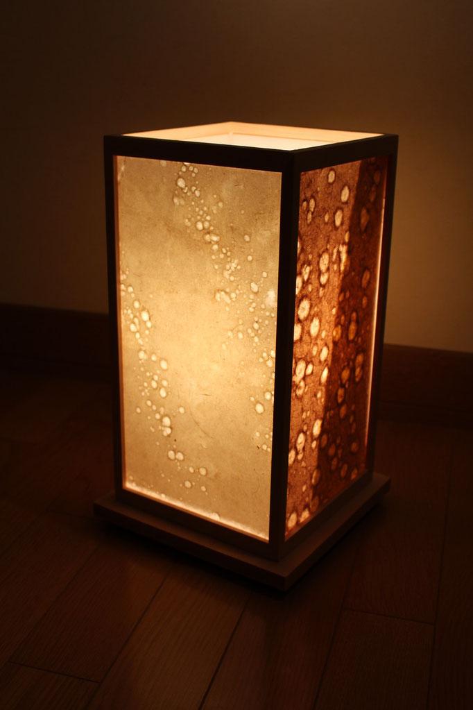 お好みの竹紙で、オリジナルな照明が作れます。