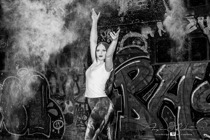 Model Helen - Lost Place Holi Shooting