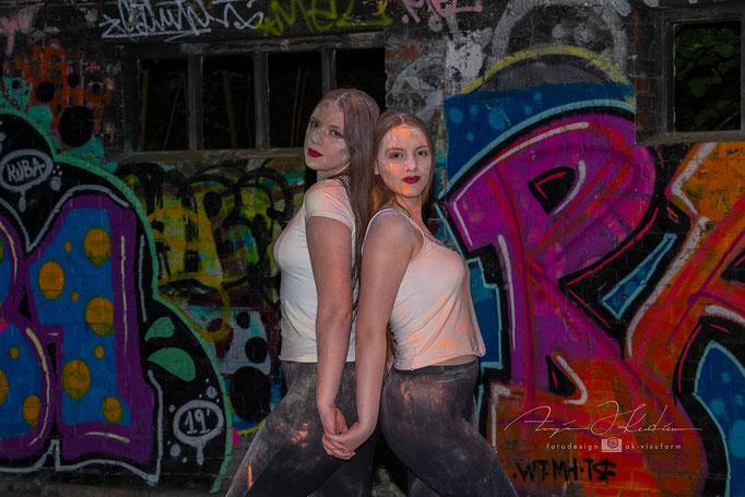 Model Helen und Linda - Lost Place Holi Shooting