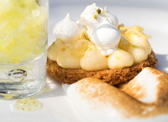 La tarte au citron revisitée, pailleté Limoncello, meringue au Combava