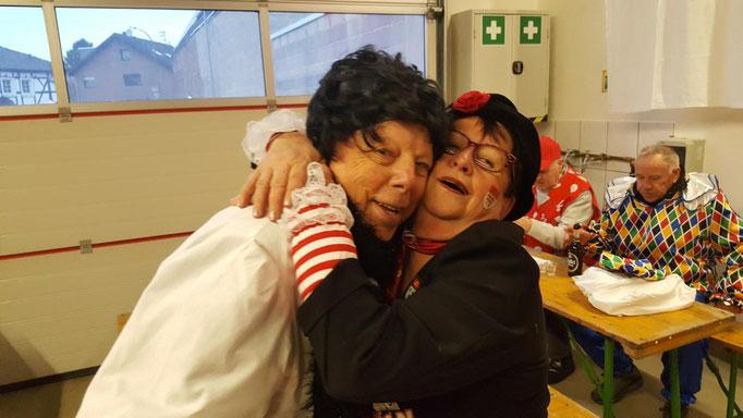 Im Feuerwehr Gerätehaus Niederdrees Karnevalszug 2018 Spielmannszug Echo